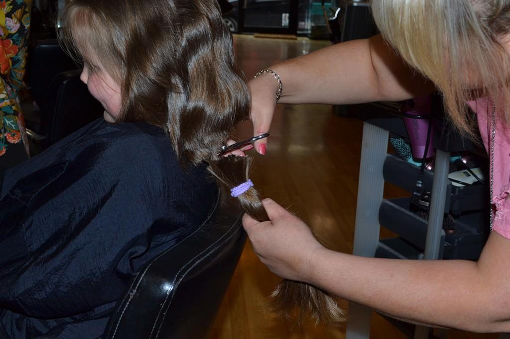 rebecca-roe-hair-cut