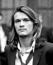 Cool Men with Long Hair Styles3
