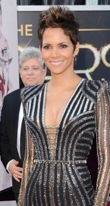 halle-berry-2013-oscars-hairstyles