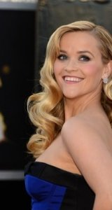 reese-witherspoon-close-up-oscars-2013-hairstyle