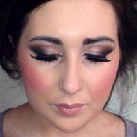 danika-weston-make-up