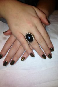 dark-yellow-black-shellac
