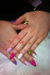 shellac-acrylic-pastel-nails